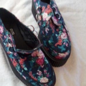Shoes - T u.k shoes